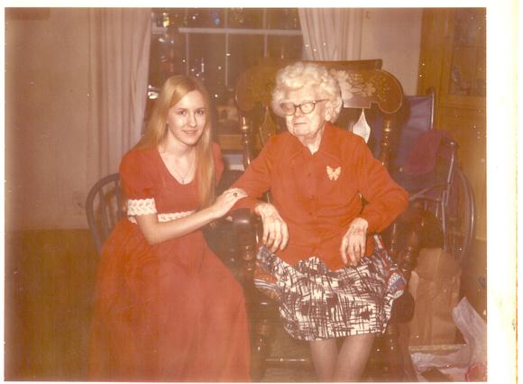 Cindy,Maggie Guinn 12-24-74
