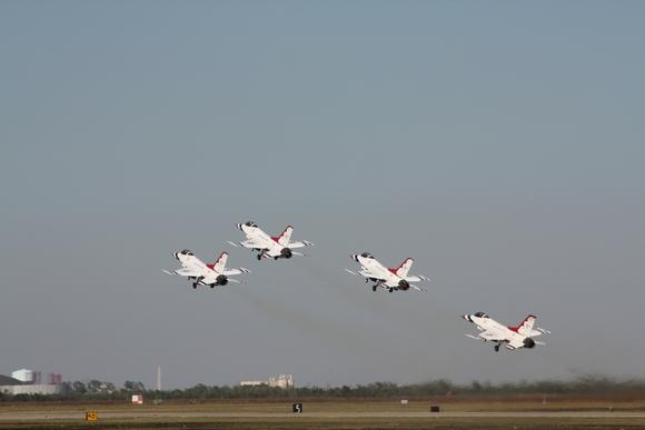 ThunderbirdsMonument