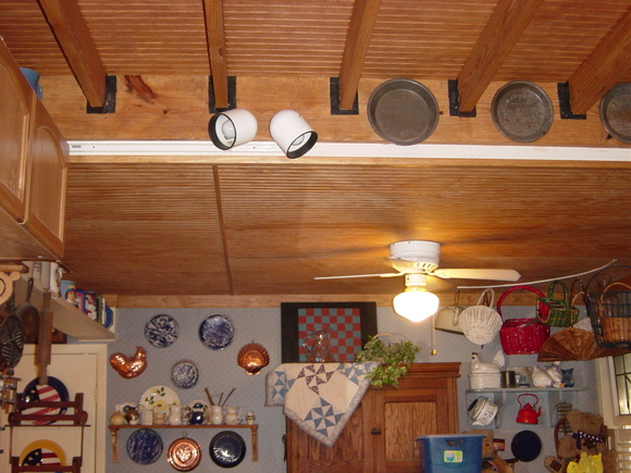 Ceiling/Dining area